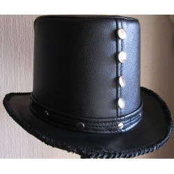 Leatherette top hat